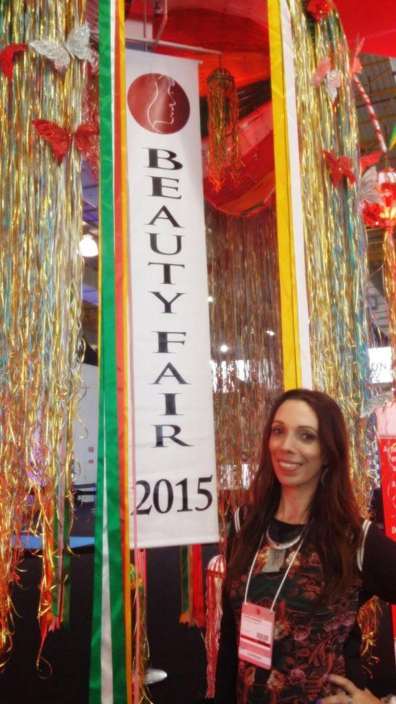 E aqui euzinha, toda feliz na Beauty Fair 2015!